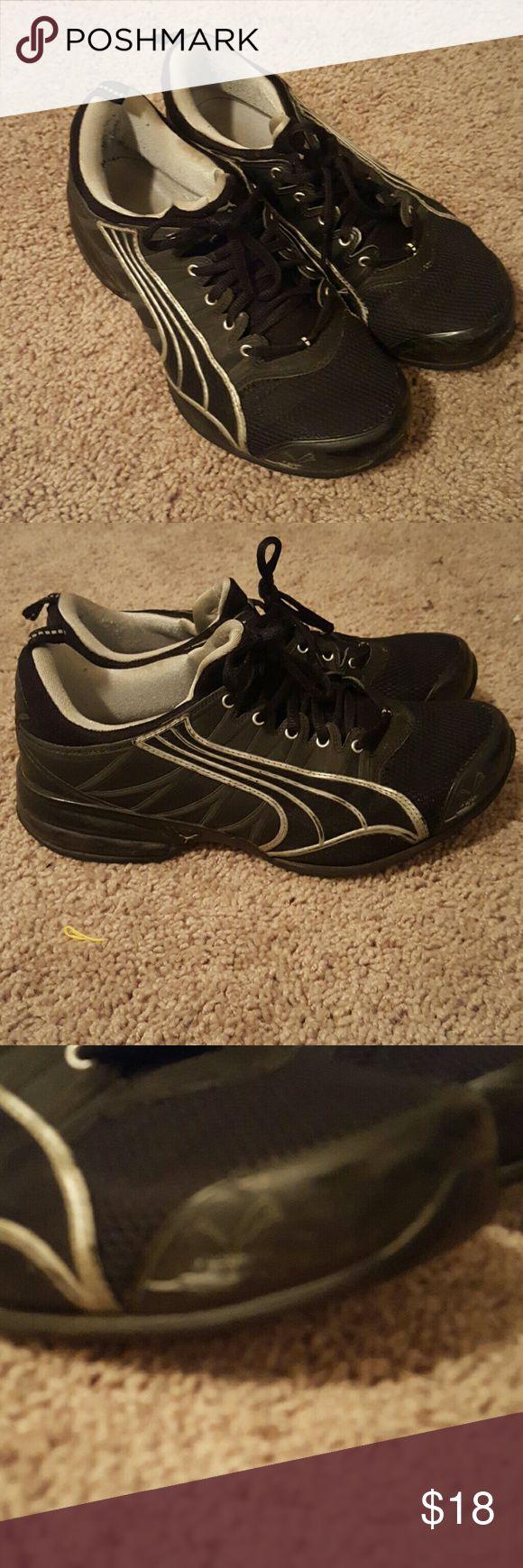 Size 10 Puma tennis shoes Lightly used size 10 Puma tennis shoes Puma Shoes Athletic Shoes