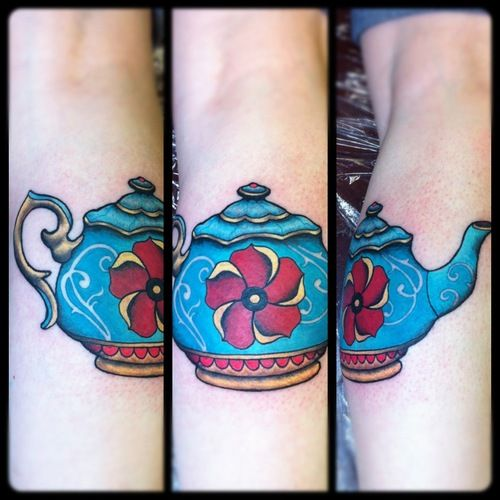 Traditional Teapot Tattoo   Done by Steve Wade at the All Seeing Eye Tattoo Lounge in Bradford, West Yorkshire, UK.  www.all-seeing-eye.co.uk