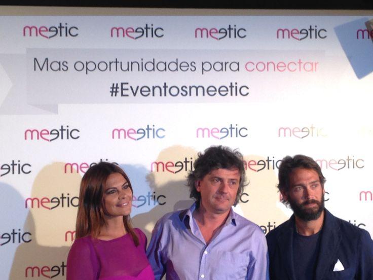 María José Suárez, José Ruano y Sebastián Palomo Danko posan en nuestro photocall para la prensa en la noche de lanzamiento de Los Eventos #eventosmeetic