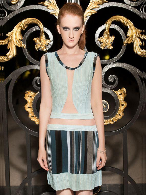 CREATION AD - taille 36/38 Robe branchée - exemplaire unique - vêtement - mode - femme - fashion - tulle/ lycra/ bleu/ rayure