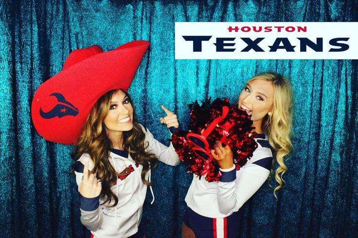 #Texans cheerleaders having a blast at our booth! Go TEXANS! #houstonstrong #houstontexanscheerleaders #texansgameday