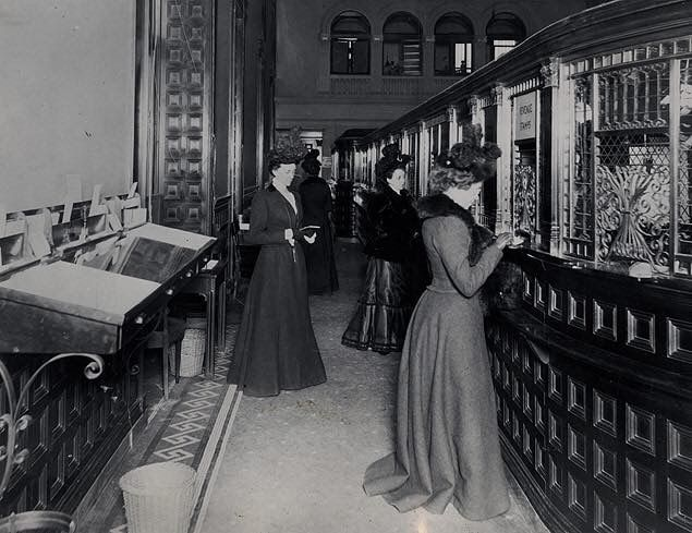 In 1900 The Fifth Avenue Bank New York City Featured A Special