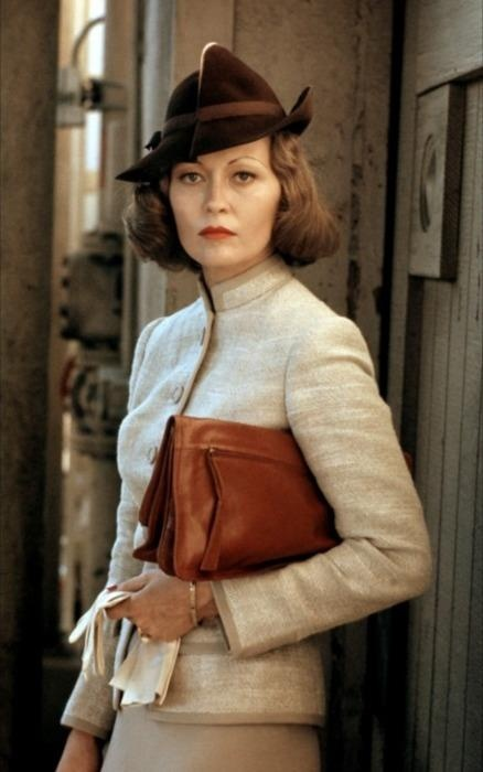 """Faye Dunaway in the movie """"China Town"""".  That woman could really do justice to a hat."""