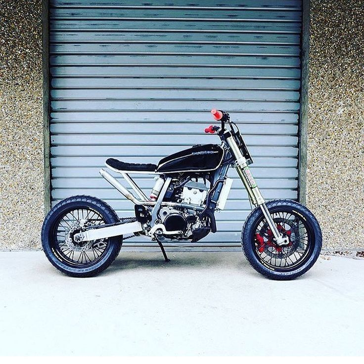 "The ""Super Tracker"" a 434cc Suzuki #DRZ400 by @56motorcycles of Paris.  #drz400sm #supermoto #tracker"