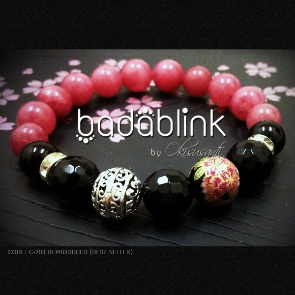 Pink stones, black onyx, and metal bracelet with Japanese tensha bead     Material: natural stones, Japanese beads and metal    Length: 18-22 cm/7-9 inches     Inquiries: facebook.com/badablink      Line: badablink      Email: hello@thebadablink.com