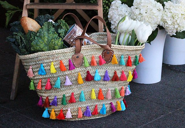 Make your picnic tote and fill it with biscotti!