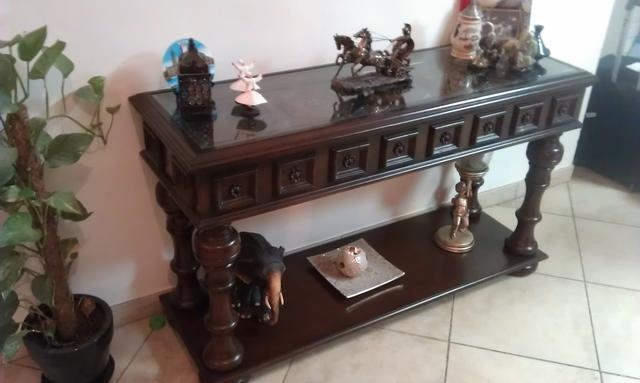 $690 AED  Beautiful Carved Console at an amzingly low Price!!! -  AED 690