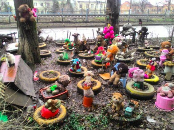Зачем здесь все эти игрушки? | Мы показали иностранцам фото из российского инстаграма и вот, что из этого вышло