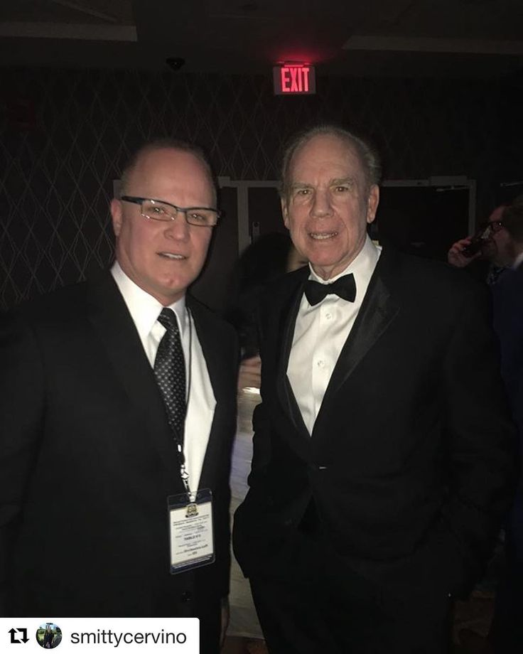 """#Repost Smitty Cervino: """"Winning isn't getting ahead of others. It's getting ahead of yourself."""" - Some #MondayMotivation from an all-time great Roger Staubach as I look back on our conversation at the 2017 Maxwell Football Annual Awards Gala held at the @tropicanaac."""