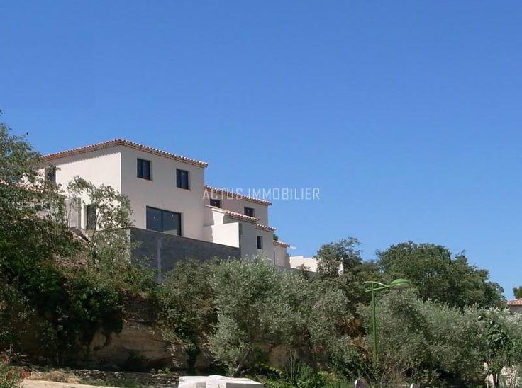 A vendre maison neuve vue dominante grans 13450 for Achat maison neuve 53