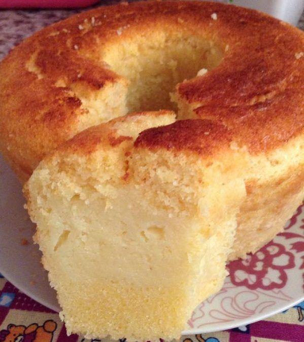 A Receita de Bolo de Fubá Cremoso é muito prática e deliciosa. Basta bater todos os ingredientes do bolo de fubá no liquidificador, misturar o fermento em