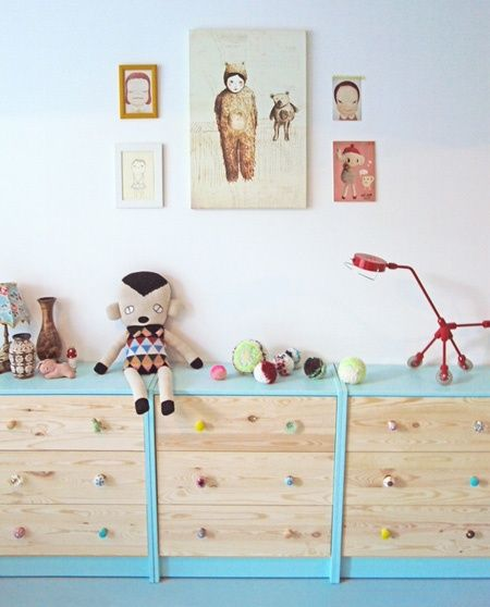 Kids' Toy Storage: Multiple Painted Three-Drawer Dressers Offer a Playful Coloured Option   decoralia.es   House & Home.
