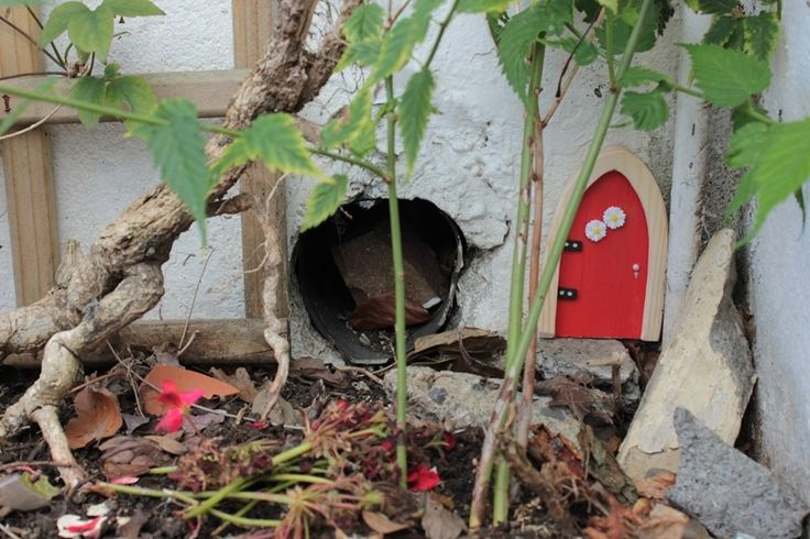 17 best images about happy fairy homes on pinterest for My irish fairy door