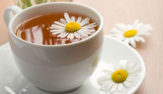 http://buff.ly/1lz7pV0 - Se procura um chá medicinal com inúmeras potencialidades, a camomila é a planta indicada para si. Neste artigo, damos-lhe a conhecer todas as vantagens deste calmante natural. Beba chá de camomila e viva uma vida mais saudável, livre de problemas de saúde.  Ânfora de Aromas - A sua Pausa Café!