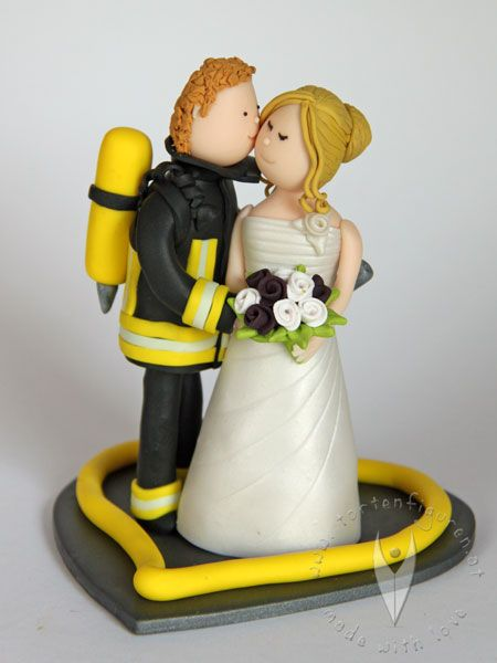 Feuerwehr Brautpaar Tortenfigur für die Hochzeitstorte - Hochzeitstortenfigur - Weddingcake - Caketopper - Weddingcaketopper - Tortendeko - Hochzeitsideen - Weddingideas von www.tortenfiguren.at