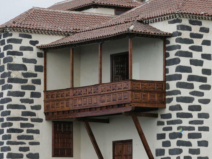 http://www.maderassantana.com/balcones-canarios/
