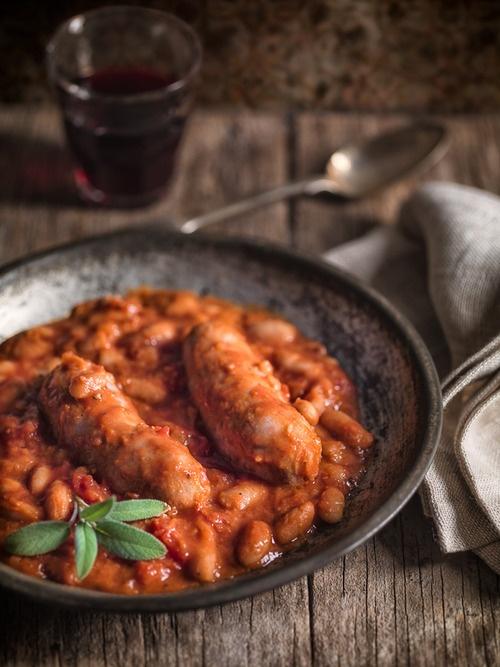 Sausage with Beans in Tomato Sauce (Salsiccia con Fagioli all'Uccelletto)  ©Alessandro Guerani.