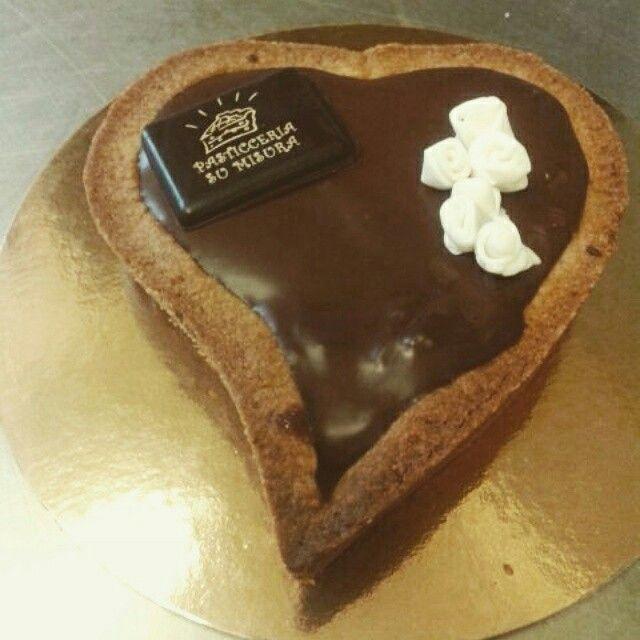 Chocolate and pears heart cake #PasticceriaSuMisura #pastry #SanValentino #Lecco