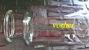 Mit einer Mischung aus Natron, Öl (Speiseöl) und Spüli ganz einfach Etiketten von Gläsern entfernen.