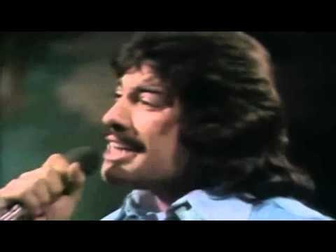 "TONY ORLANDO & DAWN / TIE A YELLOW RIBBON ROUND THE OLE OAK TREE (1973) -- Check out the ""Super Sensational 70s!!"" YouTube Playlist --> http://www.youtube.com/playlist?list=PL2969EBF6A2B032ED"