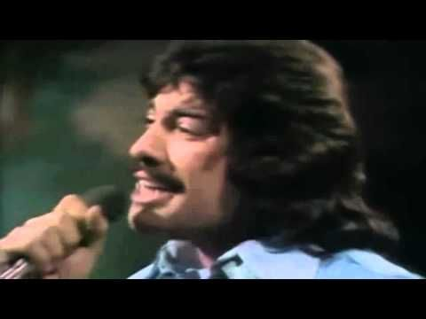 "TONY ORLANDO & DAWN / TIE A YELLOW RIBBON ROUND THE OLE OAK TREE (1973) -- Check out the ""Super Sensational 70s!!"" YouTube Playlist --> http://www.youtube.com/playlist?list=PL2969EBF6A2B032ED"