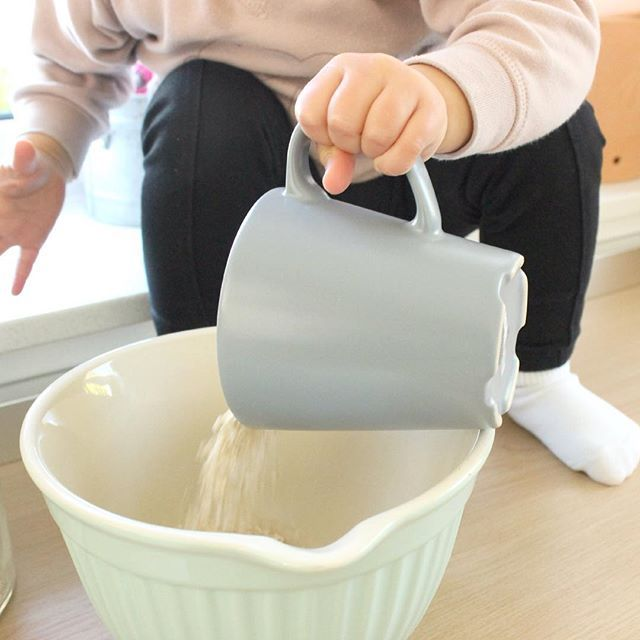 Kinderernährung und ein zuckerfreies Haferkeksrezept  http://lifestylemommy.me/2015/10/05/mama-talk-ernaehrung-und-ein-leckeres-keksrezept-haferkekse/