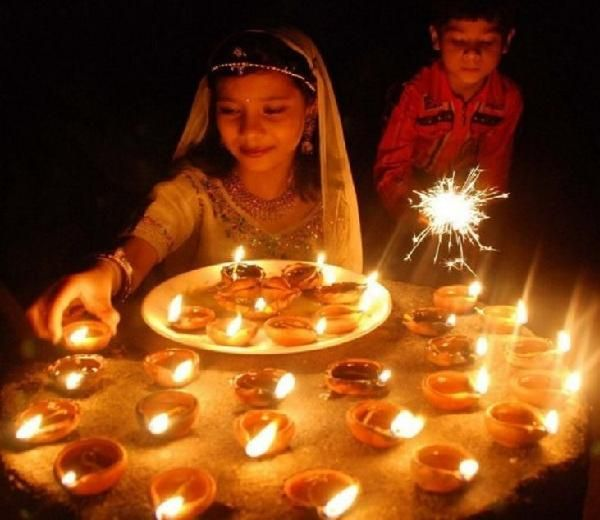 Diwali decorations ideas 2016 for office and home home for Home decorations ideas for diwali