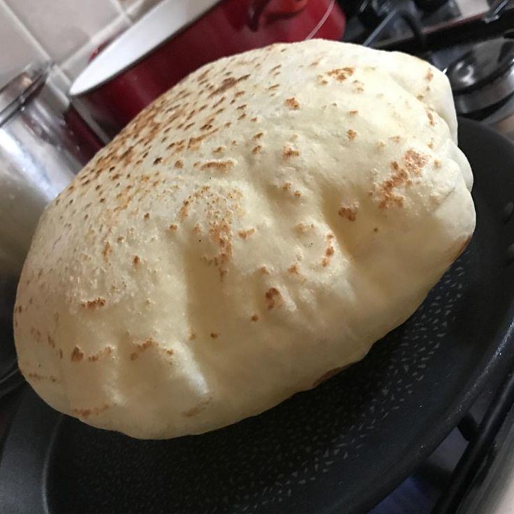 """84 Beğenme, 10 Yorum - Instagram'da Lezzet'i Âla 🎂 (@lezzet_i_ala): """"Yumoş yumoş lavaş ekmeği tarifi burada 🤗 1 su bardağı ılık süt 1 su bardağı ılık su 1 paket yaş…"""""""