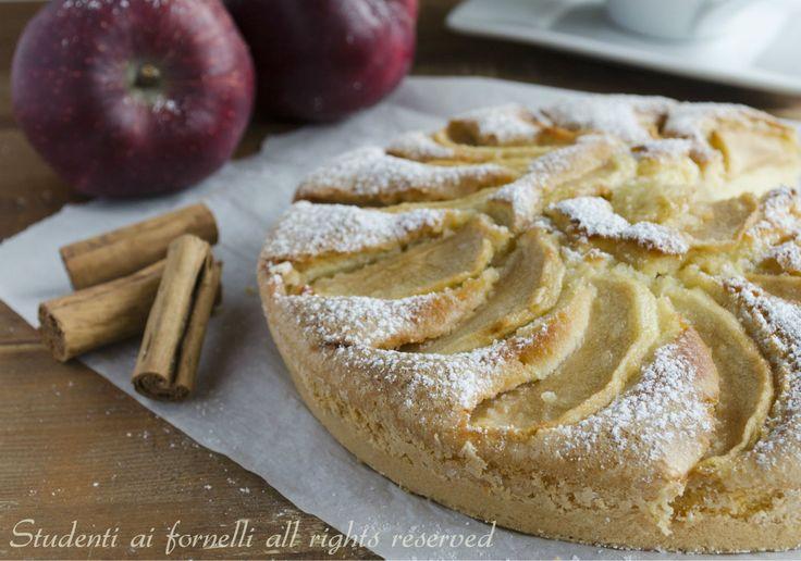 Torta di mele e panna soffice e golosa http://blog.giallozafferano.it/studentiaifornelli/torta-di-mele-e-panna-soffice-e-golosa/