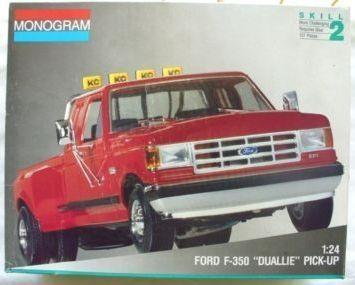 Monogram Ford F350 Duallie Box Art