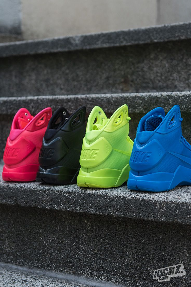 The original Hyperdunk is back! The Nike Hyperdunk 08 returns in 2016 in 4 monochromatic colorways including Volt, Solar Red, Black and Photo Blue. One of the best basketball shoes that doesn't belong to a signature athlete.