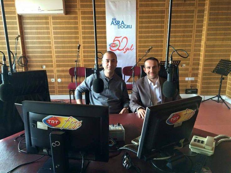 TRT İzmir radyosunda ki bilişim günleri programında, Türkiye'nin #bilişim  sektörüne özel #kariyer  sitesi olarak dinleyicilere e-ticaret, sosyal medya, kariyer ve girişimcilik konularında bilgi verdik ! https://www.facebook.com/kariyername I #izmir   #trt