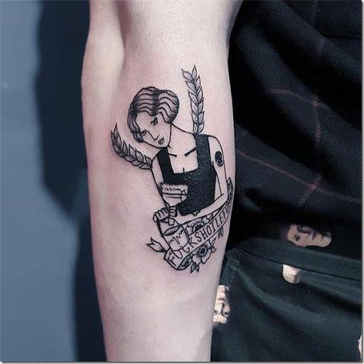 El poder femenino estampado en el brazo