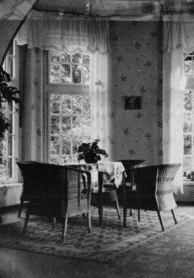 Štědrá - zámek | zimní zahrada v portiku před rokem 1945