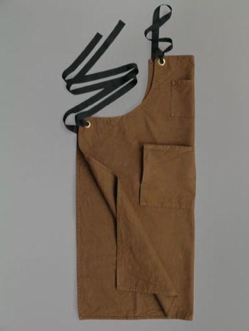 >apron
