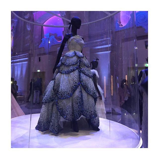 Сегодня в Les Arts Décoratifs в Париже открылась выставка посвящённая 70-летию дома Dior (@dior ). #Слайдер платья от Гальяно Диора Сен Лорана Джанфранко Ферре Рафа Симонса Марка Бо Марии Грации Кьюри. #lofficielrussia  via L'OFFICIEL RUSSIA MAGAZINE INSTAGRAM - Fashion Campaigns  Haute Couture  Advertising  Editorial Photography  Magazine Cover Designs  Supermodels  Runway Models