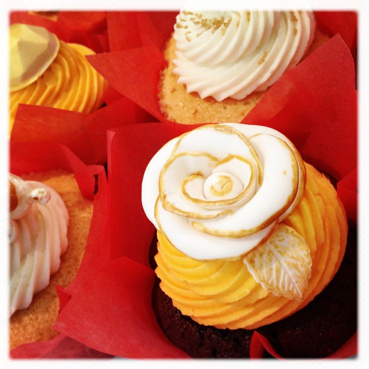 pop corn caramel chocolate pops vanilla chocolates cupcake cell flower ...