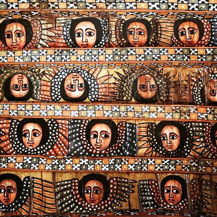 Si de algo me convencí en estas semanas en #Etiopia es que este pais es único. A saber: Etiopía nunca fue colonizado (los tanos lo intentaron sí pero a los cinco años se tuvieron que ir y los etíopes están muy orgullosos de eso); acá nació el café y este fue el lugar donde el ser humano caminó en dos patas por primera vez. Pero eso no es todo: Etiopía tiene su calendario propio con 13 meses (de puro sol según el slogan del país); un huso horario también propio (que casualmente es igual al de…