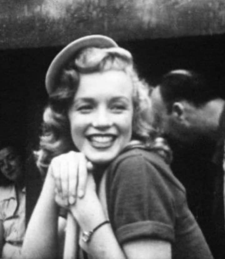 Pin By Liz Fitzsimmons On Marilyn Monroe In 2020 Young Marilyn Monroe Marilyn Monroe Marylyn Monroe