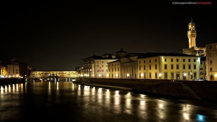 Toscana Il Ponte Vecchio a Firenze Il Palazzo della Signoria a Firenze Panorama notturno