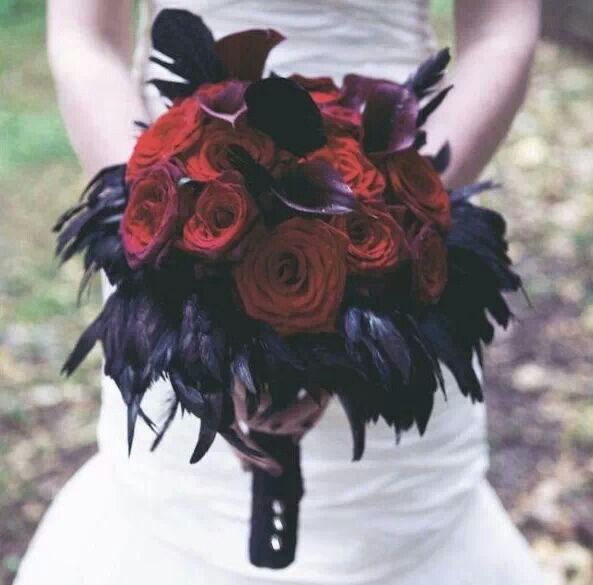 Roses and Ravens....would make a great centerpiece.