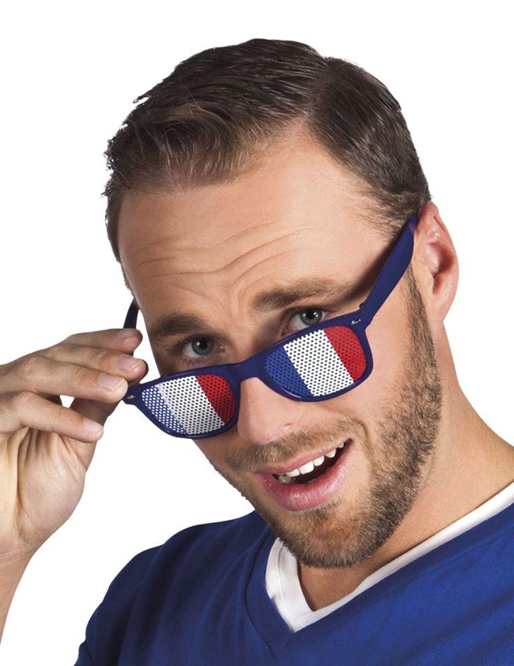 Lunettes supporter avec drapeau France adulte : Ces lunettes de supporter pour adulte sont en plastique. La monture est bleu marine.Des autocollants aux couleurs du drapeau Français sont collés sur les verres. Ils possède de...