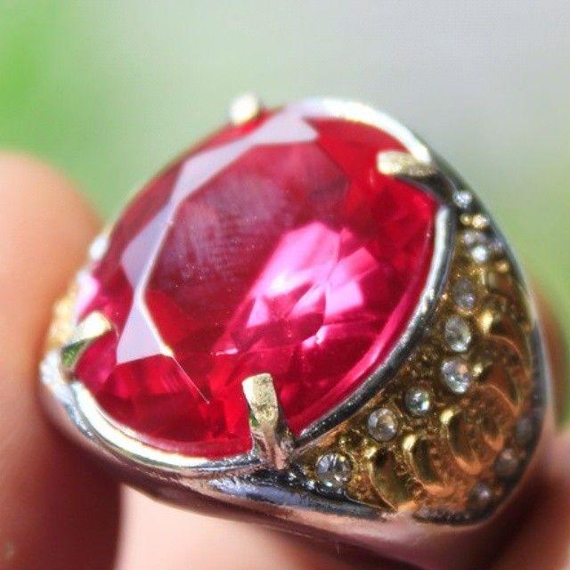 RED RUBY #gemstone #stone #ruby #batu #batumulia  #topaz #amethyst #stones #instajewelry #fashion #accessories #jewels #stylish #crystals #gem #fashionjewelry #style #jewel #jewelrygram #gems #crystal #jewelry #indonesianstone #indonesia #purbalingga #sapphire #redruby #rubystone #red #emerald