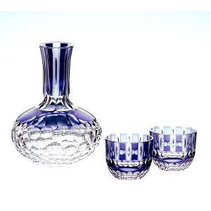 I don't drink saki but I love these beautiful decanter sets!!!【木箱入り】皇室御用品カガミクリスタル半酒器揃(徳利・盃2個)七宝に星紋ガラス(硝子)母の日父の日誕生日還暦祝い退職祝い記念品結婚祝い古希祝い内祝い引き出物敬老の日業務用ギフトプレゼントに!マイグラス.カップ.コップ