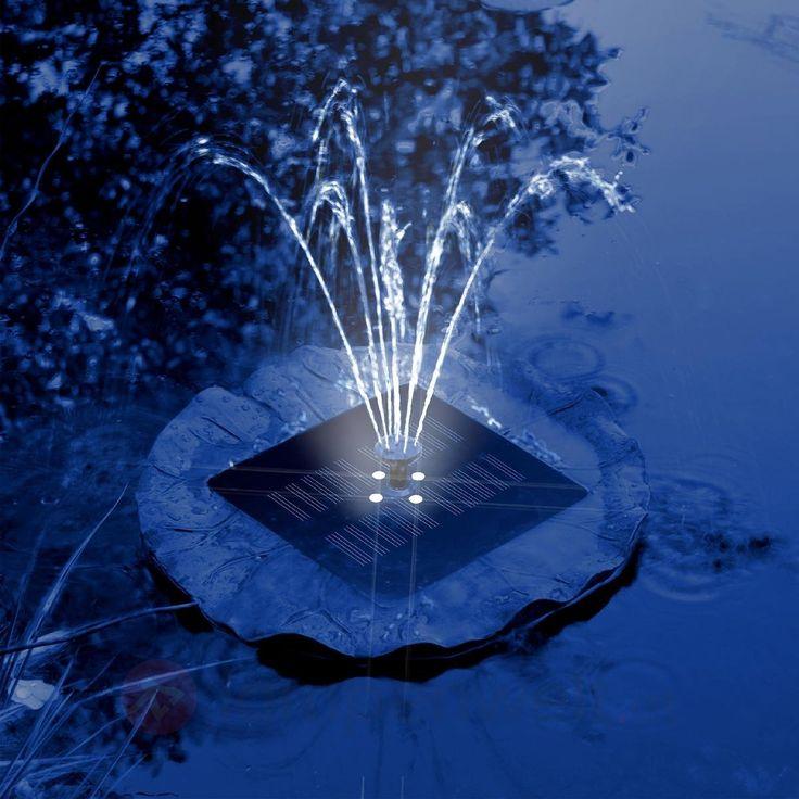 Beleuchtete Fontänen, wie hier mit einer Teichpumpe mit #LED, lassen den #Gartenteich wie ein herrschaftliches #Wasserspiel aus großen Schlossanlagen wirken.