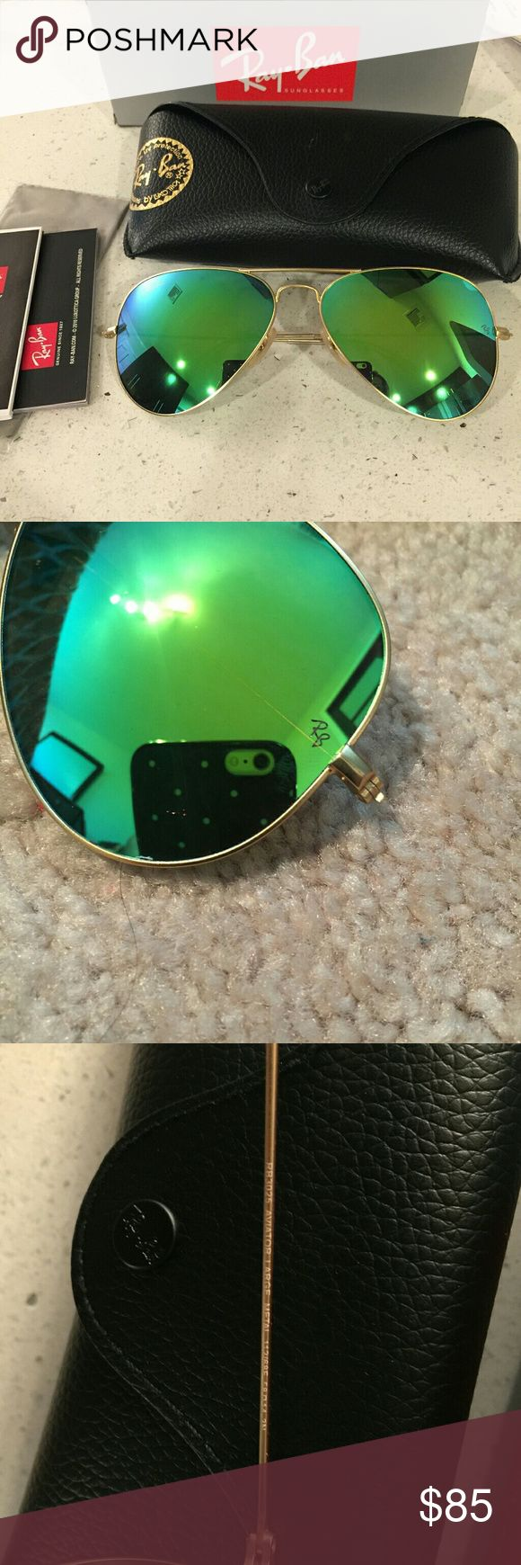 Ray Ban Aviator RB3025 in Green Flash ❤️️All my item are 100% Authentic.     Real ray ban                            ❤️Frame Color Gold.  Lens size 58MM                                                      🛇No Lowballing💕Feel free to ask any question💕 Ray-Ban Accessories Glasses