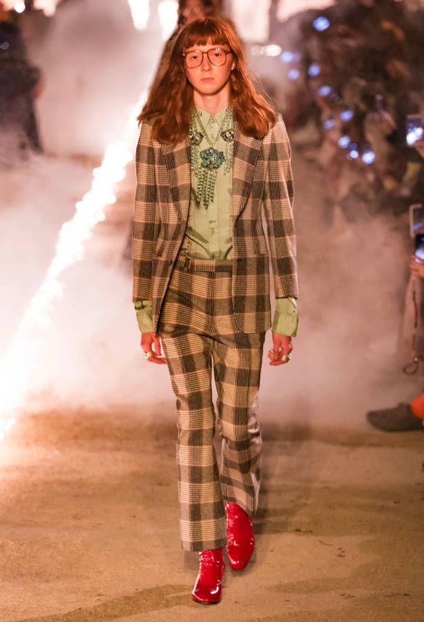 Défilé Gucci Prêt à porter Croisière 2018 2019 - Paris  bc90ff64a3b4