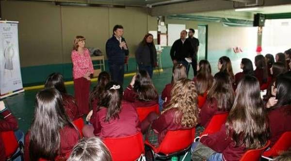 Alumnos del colegio Leonardo Da Vinci participaron de Banca 25
