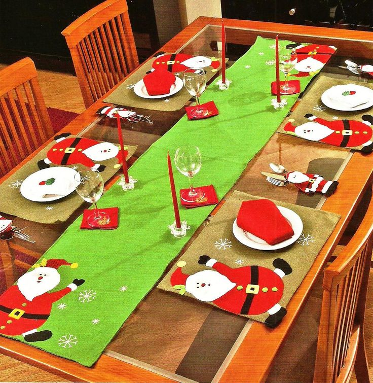 Camino de mesa santa con individuales 1 200 1 231 p xeles for Decoracion navidena