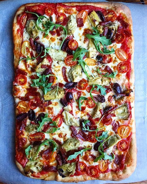 Mozzarella, Black Olive, Spicy Salami & Artichoke Pizza via @feedfeed on https://thefeedfeed.com/brat_h_/mozzarella-black-olive-spicy-salami-artichoke-pizza